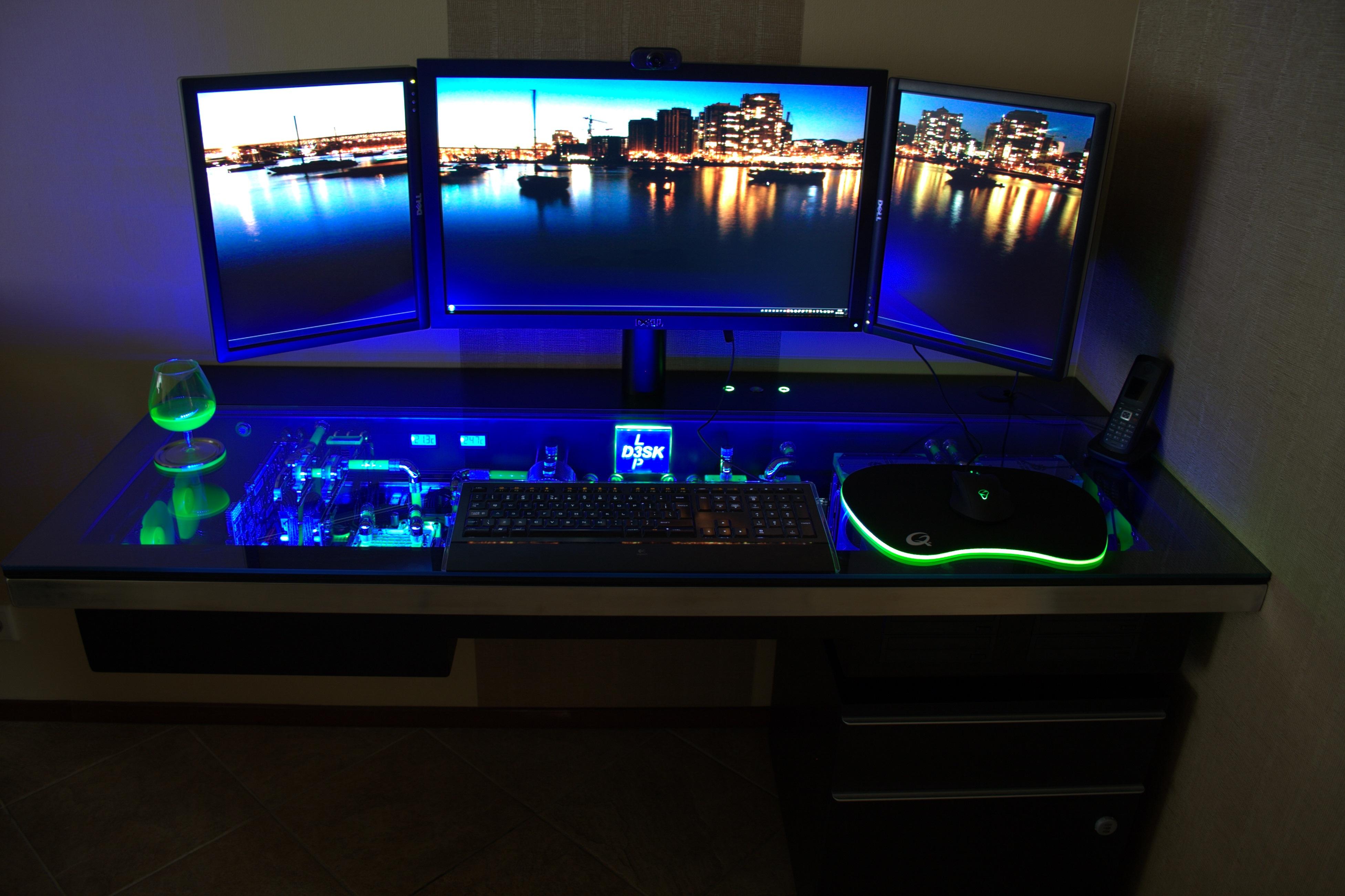 The 42 Coolest Computer Desks Ever